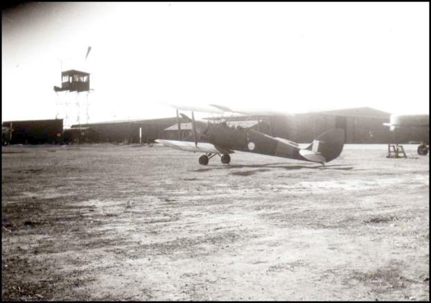 Camden Airfield Tiger Moth 1942 LG Fromm