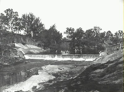 Picturesque scene at the Camden Weir on the Nepean River c.1917 (Camden Images)