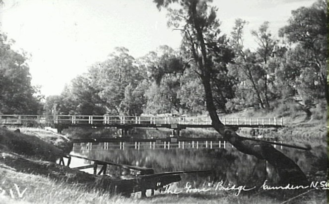 Little Sandy with footbridge across the Nepean River at Camden c.1950. Diving board in foreground. (Camden Images)