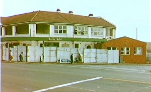 Lacks Hotel Campbelltown about to be demolished in 1984. (The History Buff)