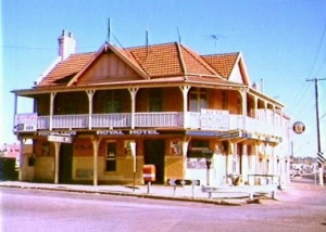 Royal Hotel, Campbelltown before demolition. 1986. (The History Buff)