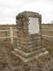 Hume Monument Appin Road Appin 2016 (I Willis)
