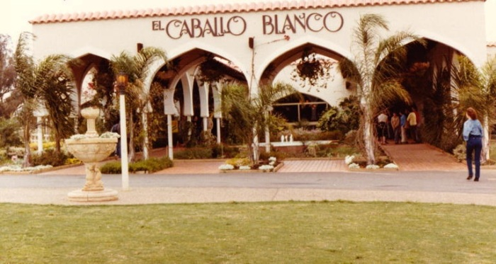 El Caballo Blanco at Catherine Fields in 1980s (Camden Images)