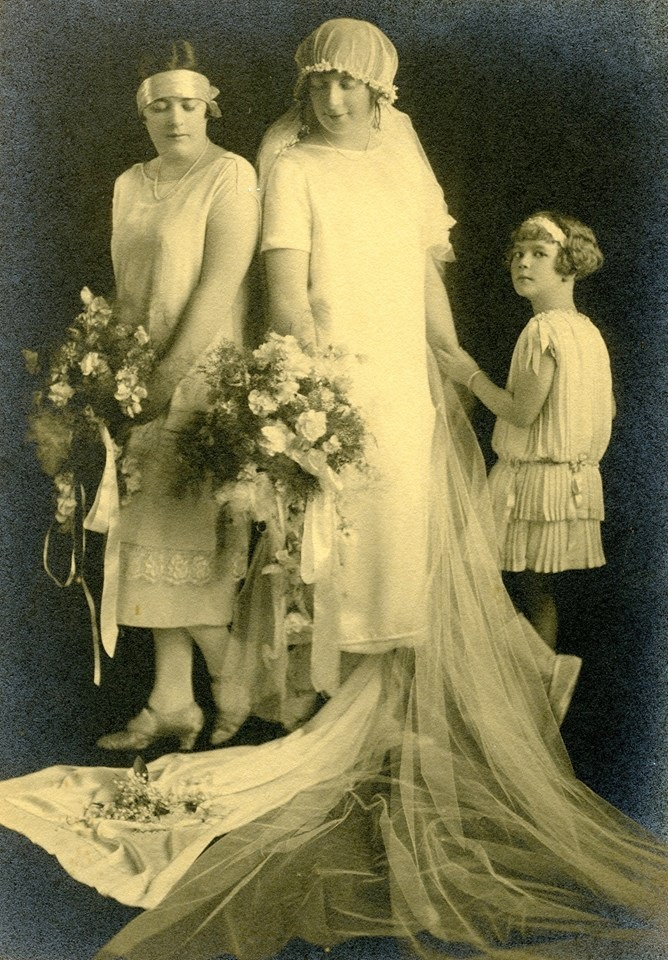 Camden Ethel Muriel Burford, wedding to Frank Garnet Duesbury, 16 May, 1925, Enmore NSW CIPP[1]