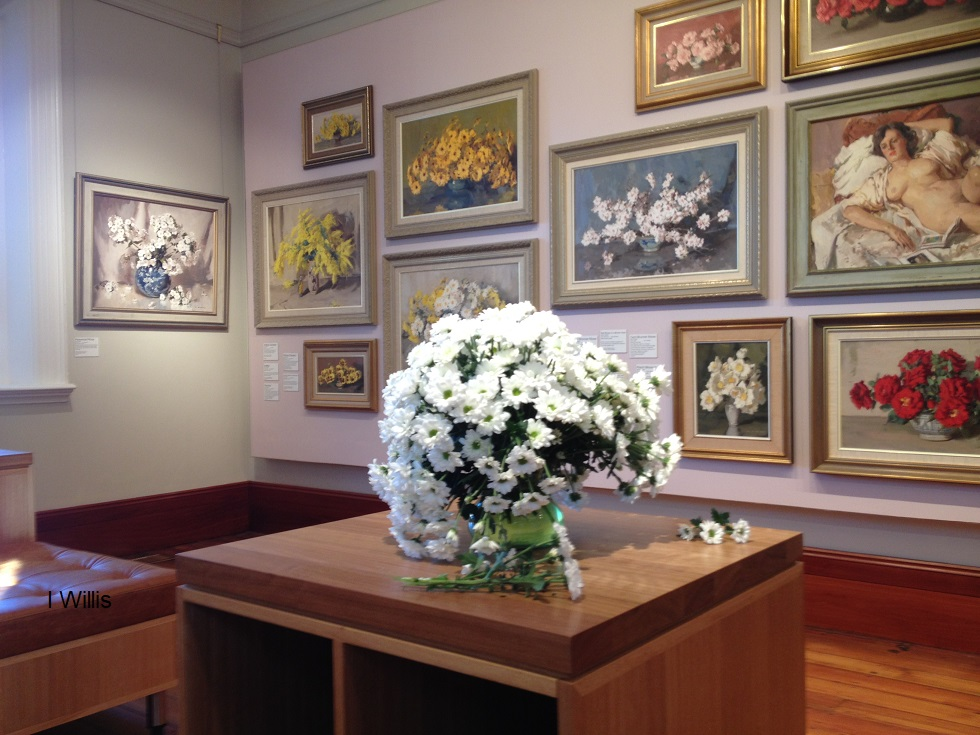 Macaria AlanBaker Opening 2018 Gallery Interior&Vase