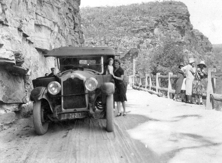 burragorang valley women 1923 claude jenkins' service car at the bluff light six buick cipp