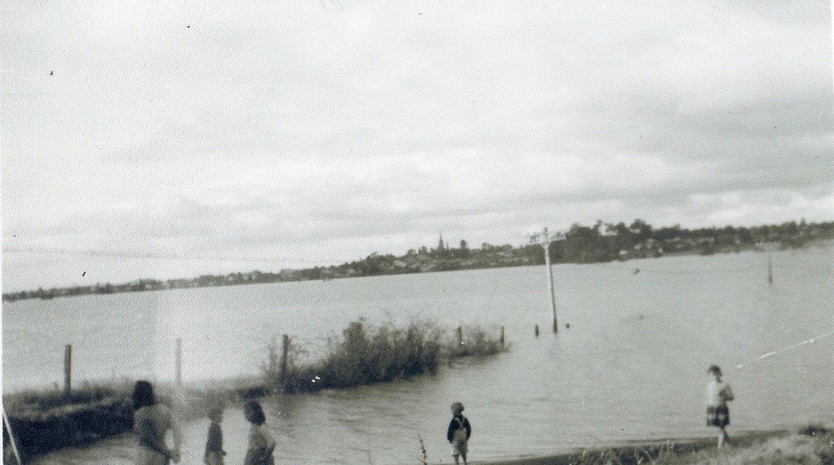 Camden Flood 1949 Peppertree Corner Cawdor Rd BYewen CIPP lowres