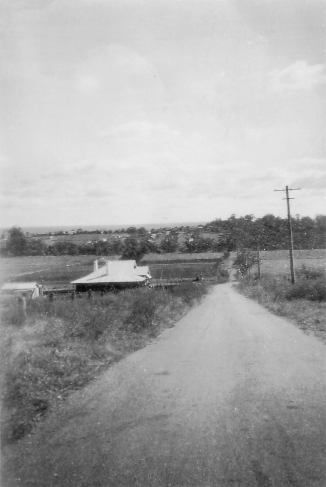Elderslie looking to(P) house at 34 River Rd 1925 MPatterson