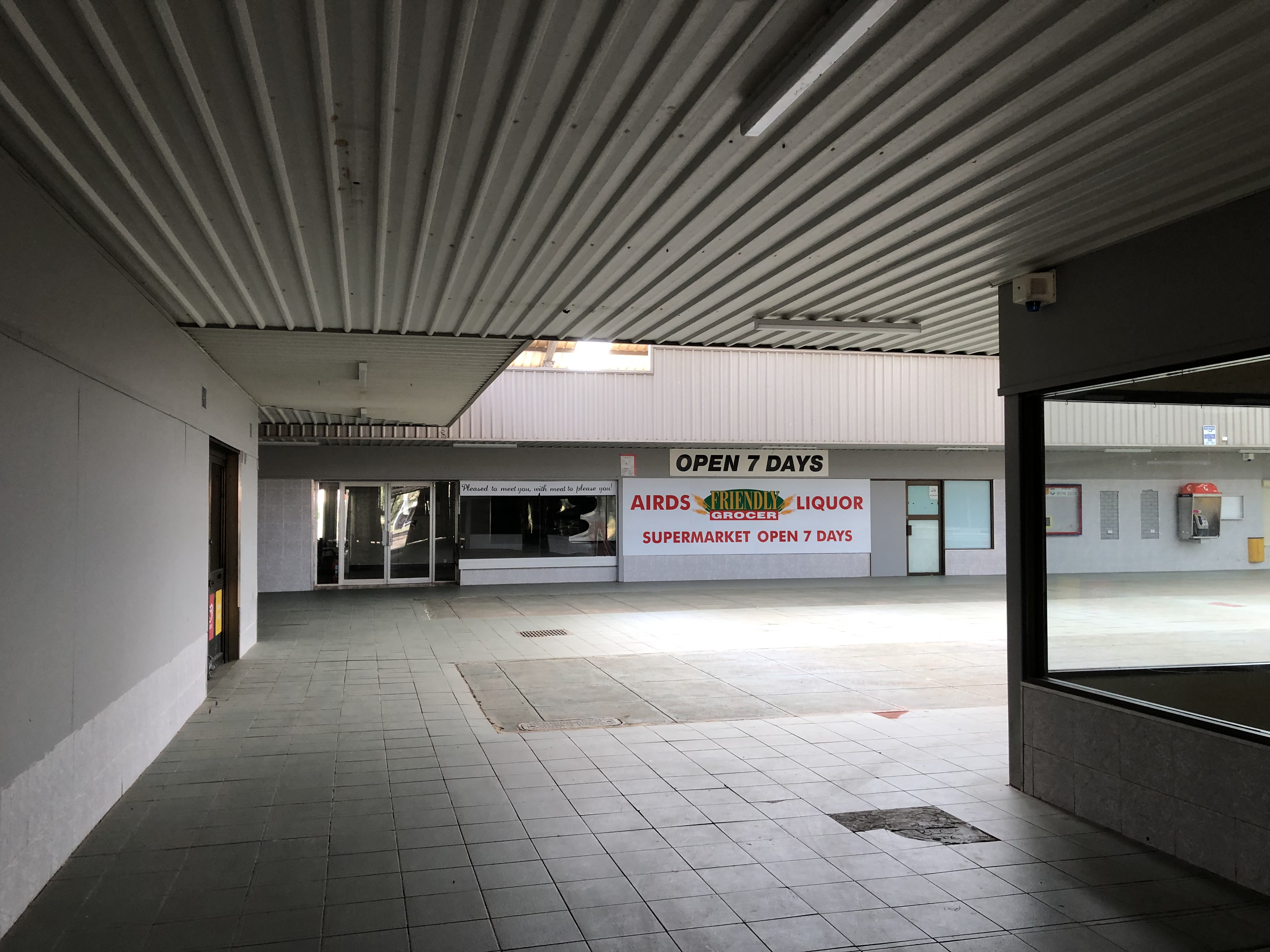 Airds Shopping Centre Interior Signage 2020 IW lowres