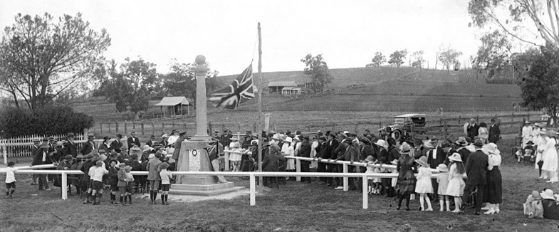 Mount Hunter Unveiling of War memorial 1920s R Dowle TOHS
